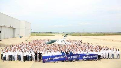 1st-production-HondaJet-0614b