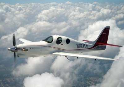 Lancair-Evolution-In-Flight-0710a